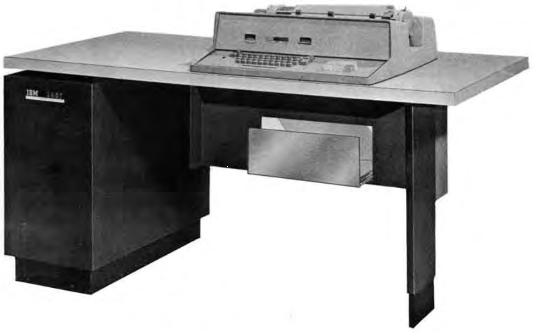 IBM 1407 Control Inquiry Station - Picture: Reference Manual IBM 1401 Data Processing System. IBM. 1962.
