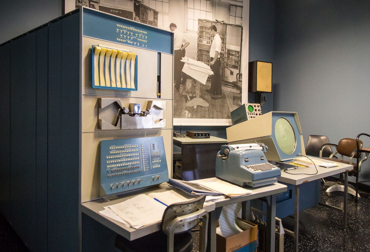 DEC PDP-1 in the Computer History Museum - Image: Alexey Komarov (CC BY-SA 4.0)